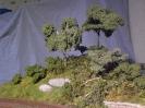 Büsche und kleine Bäumchen wurden ergänzend am Hügel gepflanzt.