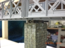 der Mittelpfeiler mit aufgesetzter Brücke